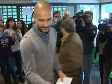Pep Guardiola visita a los políticos catalanes presos en la cárcel de Lledoners