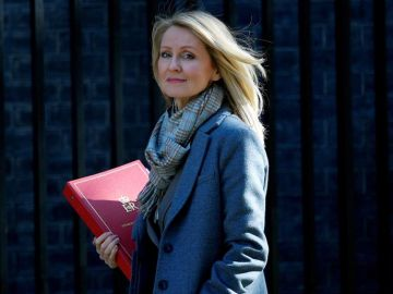 La ministra de Trabajo británica, Esther McVey