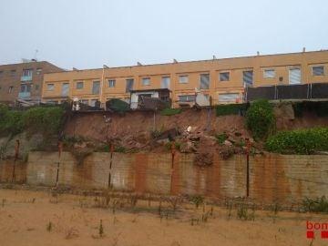 Un terraplén se derrumba y provoca el desalojo de 40 personas en Viladecavalls