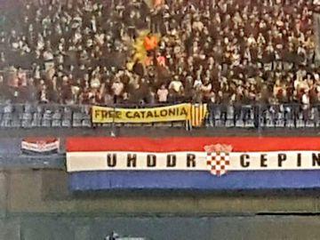 La pancarta desplegada durante el Croacia-España