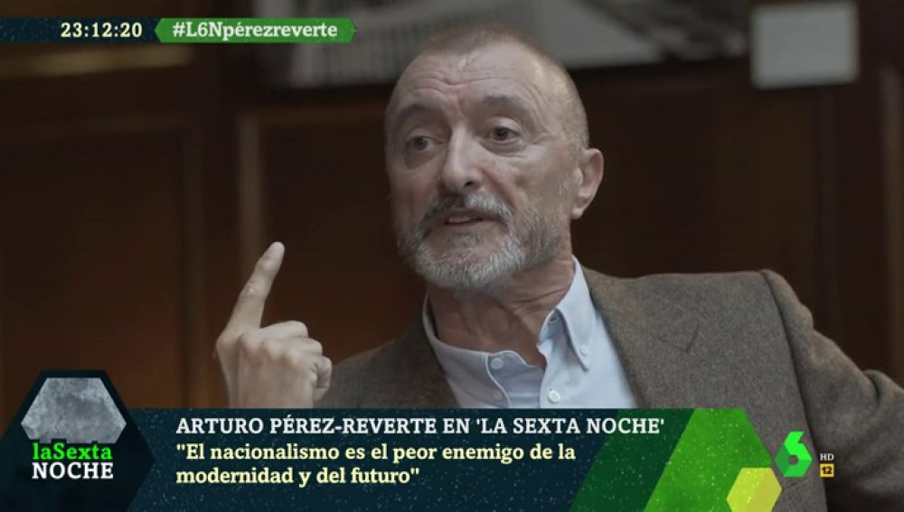 """La crítica de Arturo Pérez-Reverte a la izquierda y los nacionalismos: """"Es triste que VOX crezca pero más que les den argumentos para crecer"""""""