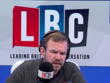 """Un hombre que votó a favor del 'Brexit' llama a un programa de radio para pedir disculpas y rompe a llorar: """"¿Qué le he hecho a mi país?"""""""