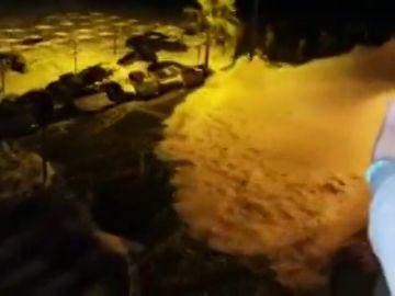 Evacuaciones y graves destrozos: los estragos del gran oleaje en Garachico, Tenerife