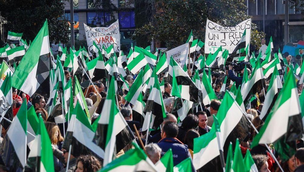 Manifestación para exigir un tren digno en Cáceres