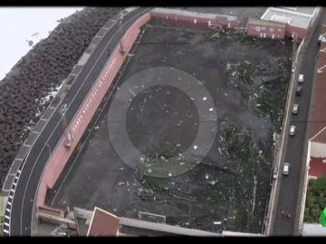 El campo municipal de Garachico, destrozado por el temporal en Tenerife