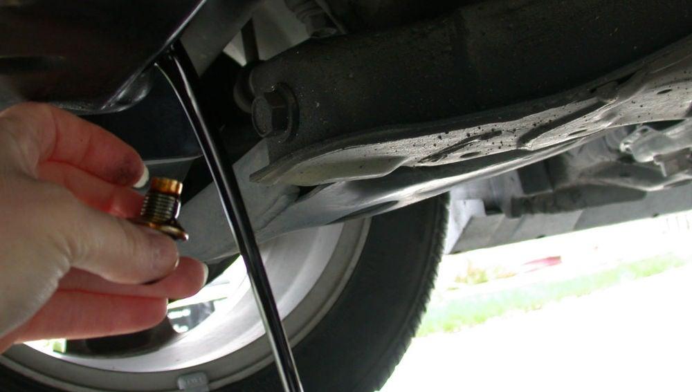 Cambio de aceite del motor del coche