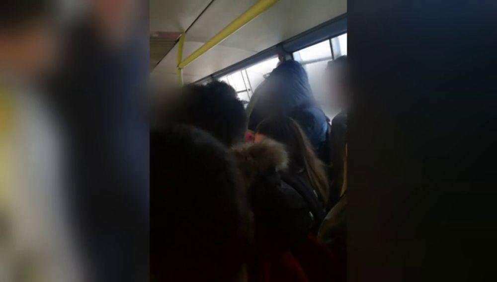 Así vivieron el rescate los 70 niños atrapados en un autobús escolar por las graves inundaciones en Cartagena
