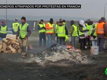 Las protestas en Francia contra la subida del carburante obligan al cierre de la frontera en Irún