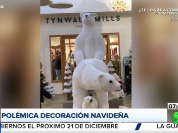 La polémica decoración navideña de un centro comercial que ha escandalizado a los clientes