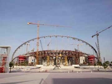 Momento de la construcción del Khalifa International Stadium para el Mundial de Qatar 2022