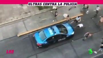 Los 'barras bravas' vuelven a la carga y se enfrentan a la Policía
