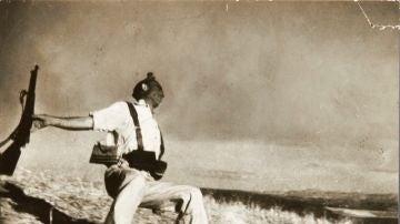 Fotografía 'Muerte de un miliciano' de Robert Capa