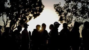 Miembros de la caravana de migrantes que se dirige a EEUU