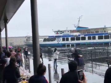 Un ferry con 53 personas a bordo se estrella contra un muelle en San Franc