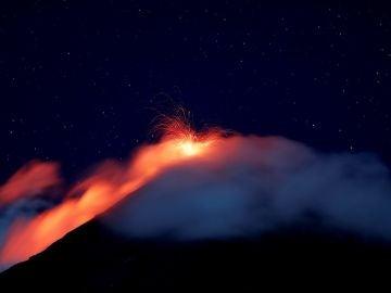 Imagen del volcán de fuego de Guatemala