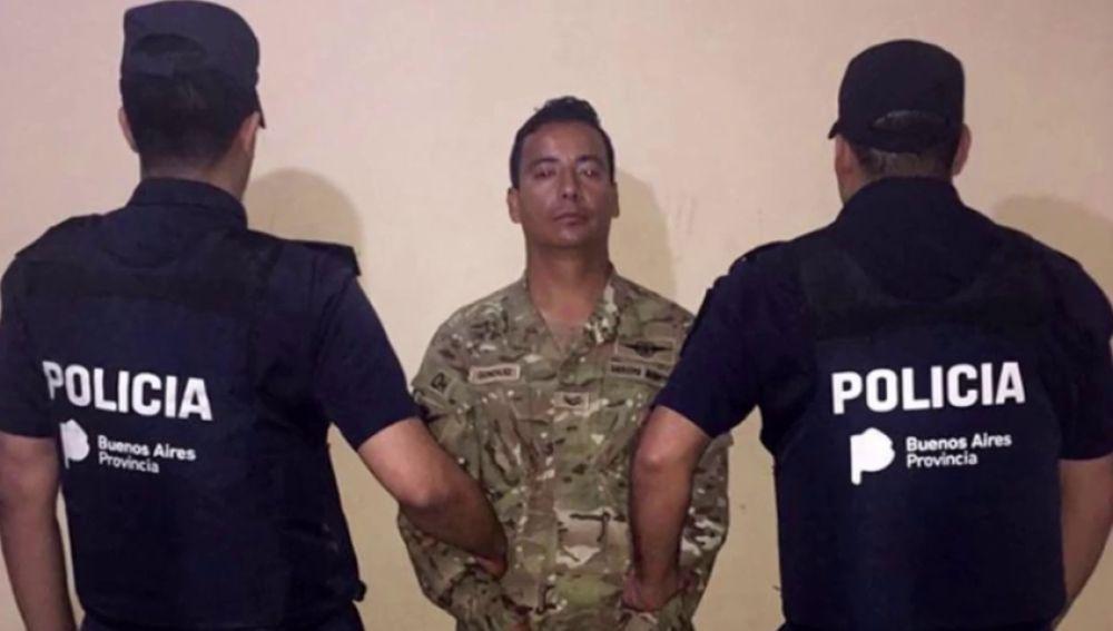Detienen a un militar acusado de asesinar y descuartizar a su mujer en Argentina