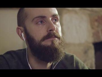El emotivo anuncio navideño de un joven recordando a su madre fallecida que es viral en medio mundo