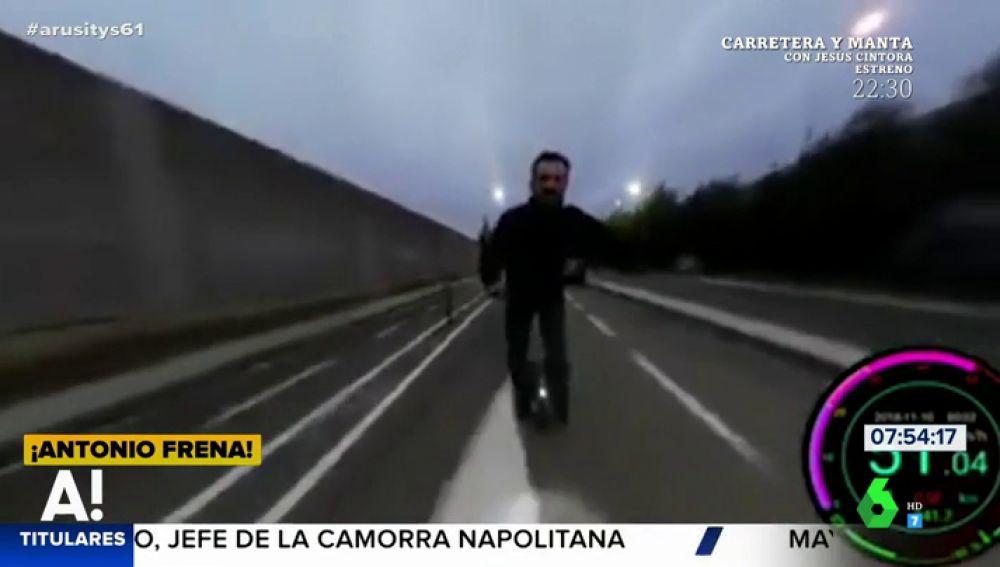 Un hombre graba su caída en monociclo al perder el equilibrio por culpa del postureo