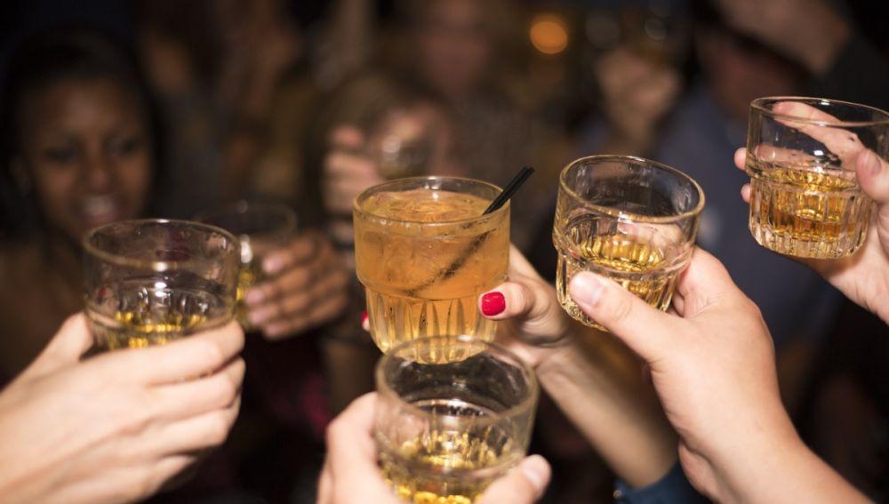 Vigila el alcohol en las cenas de Navidad.