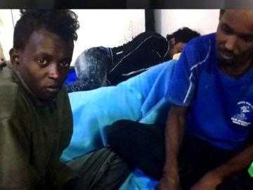 Se complica la situación en el pesquero español que rescató a 12 migrantes: el Gobierno no se posiciona y empiezan a quedarse sin combustible