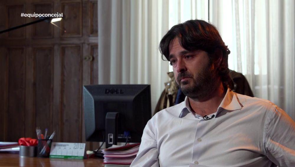 "El alcalde de Llanes se emociona al hablar del crimen de Ardines: ""Era un concejal 10, es que me jode"""