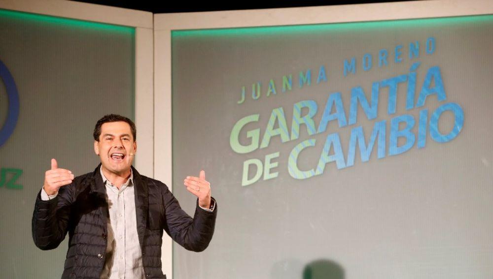Juanma Moreno durante un acto electoral