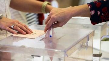 Imagen de archivo de urnas