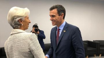 La directora gerente del Fondo Monetario Internacional, Christine Lagarde, junto a Pedro Sánchez