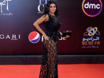 Imagen de la actriz Rania Youssef en el Festival de Cine de El Cairo