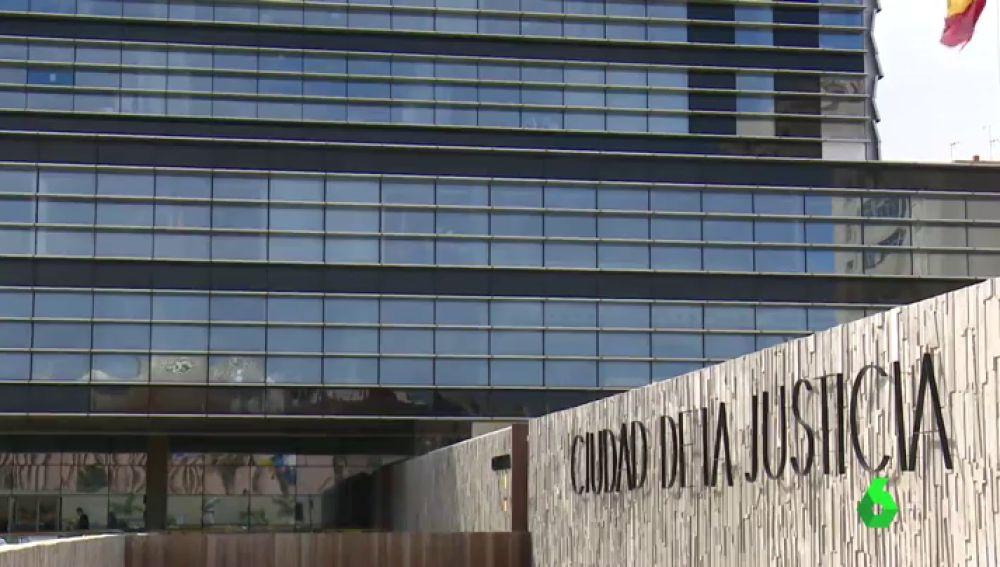 Una menor víctima de abusos sexuales tiene que esperar 10 meses para que le hagan un examen forense en Canarias