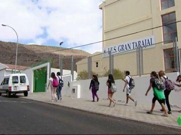 Detenido el conductor de un autobús escolar por abusar de las chicas que trasladaba en Fuerteventura
