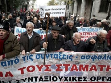 Manifestación de pensionistas en Atenas