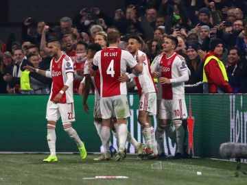 El Ajax celebra un gol