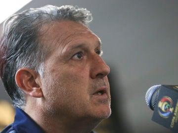 El 'Tata' Martino, en una rueda de prensa