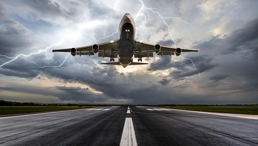 Avion en el momento del despegue