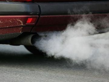 La UE logra un acuerdo para recortar las emisiones de efecto invernadero de los coches en 2030
