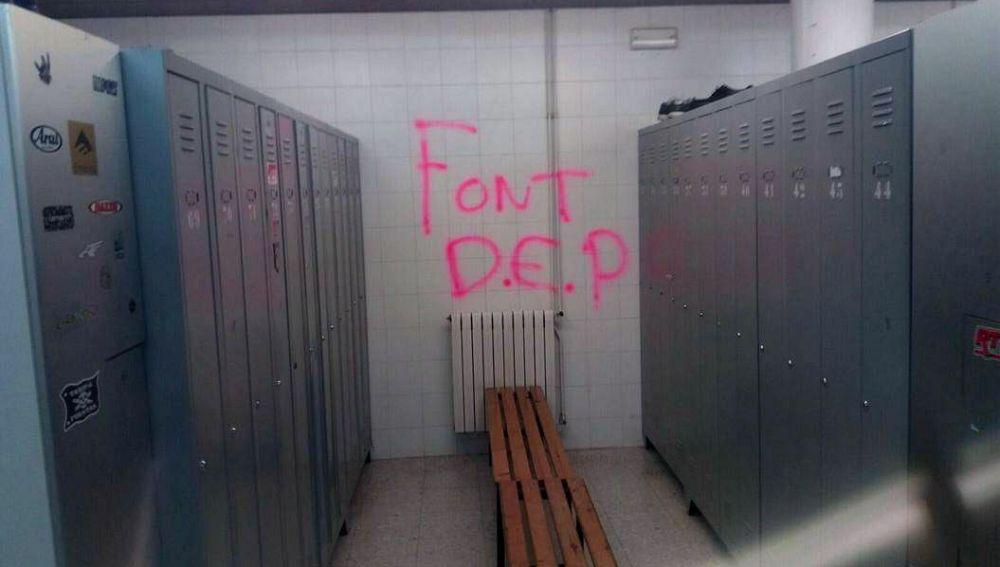 Una de las pintadas en la cárcel de Brians I, en Barcelona.