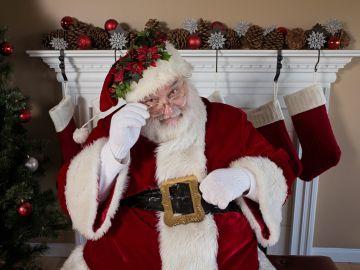 Si crees que este año por fin se darán cuenta de que Santa Claus es un familiar disfrazado, no te preocupes: no sufrirán por ello