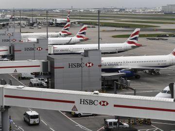 Varios aviones de la compañía británica British Airways.