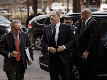 Harvey Weinstein llegando al juzgado