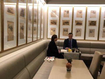 Pedro Sánchez se reúne con Ada Colau en Barcelona