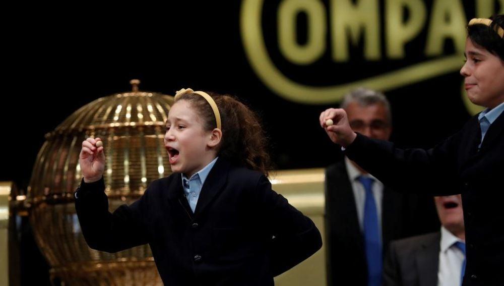 La pequeña Aya cantando el Gordo (Archivo)
