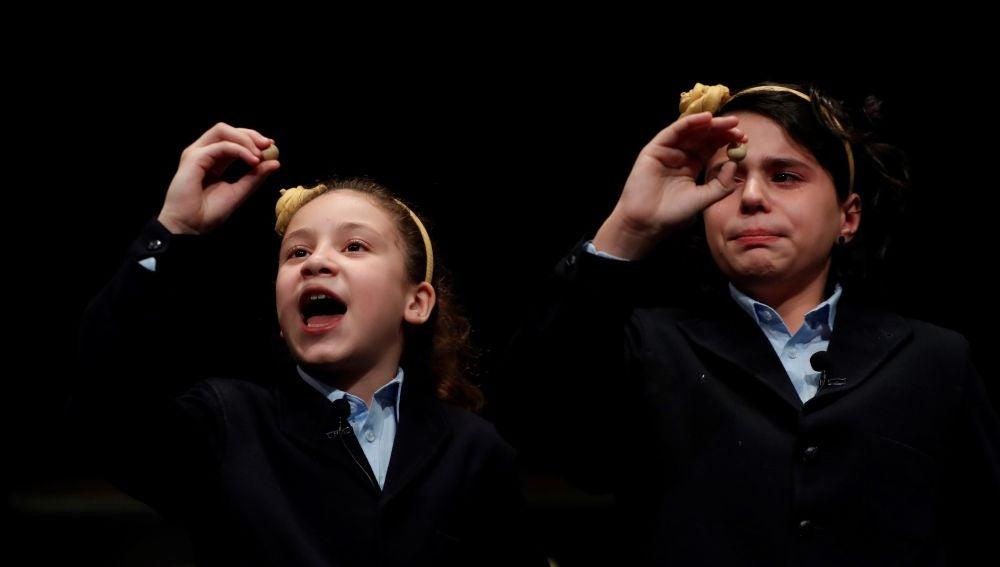 Aya y Carla han cantado el Gordo