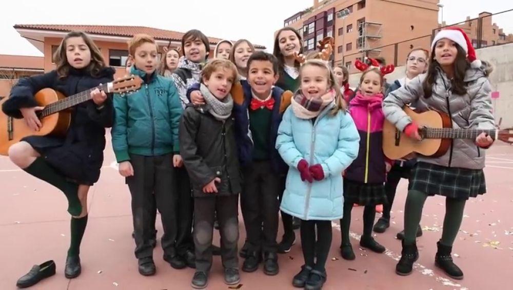 Un colegio versiona una canción de Dani Martín para ayudar a otros niños con daño cerebral por Navidad