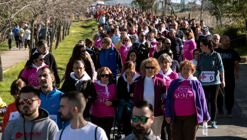 Miles de personas han respondido hoy a la convocatoria del Club Runners Nerva