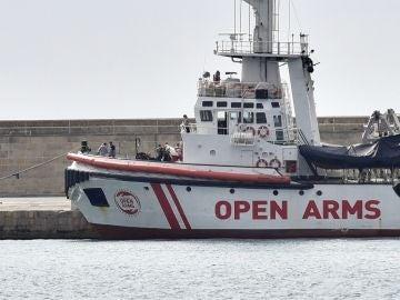 Vista del barco de la Organización de Salvamento Open Arms.