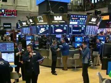 Wall Street cierra la peor jornada navideña de su historia: las bolsas se desploman y el Ibex baja a niveles de 2016