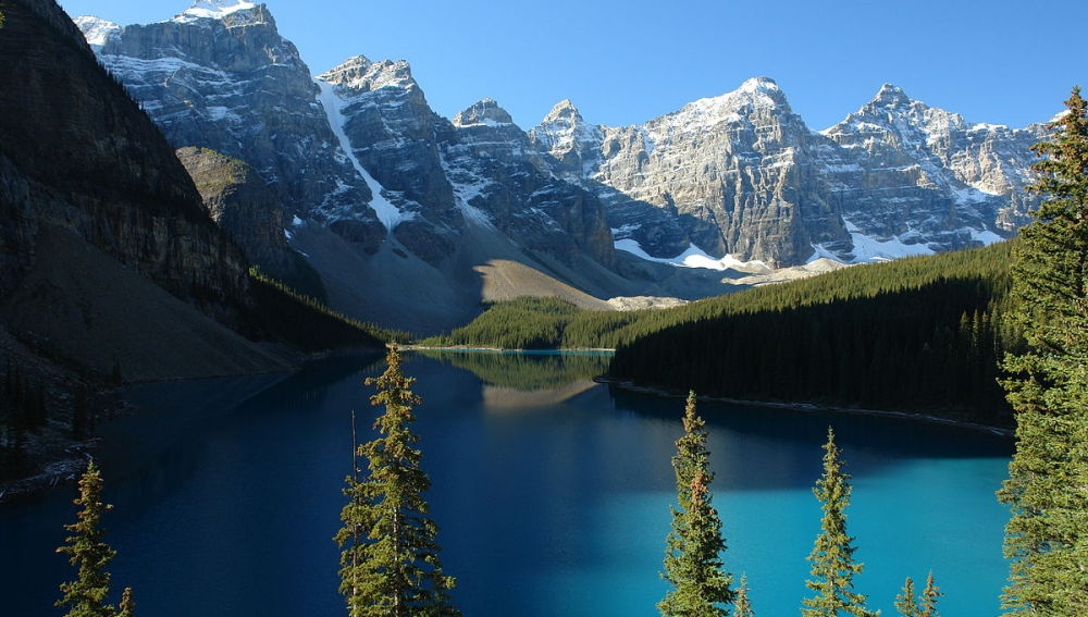 Valle de los Diez Picos y lago Moraine, Alberta, Canadá