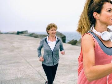 Muejeres haciendo ejercicio