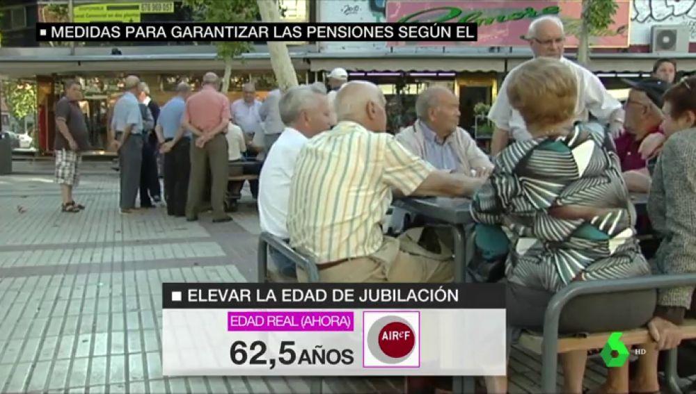 Pensionistas en un parque